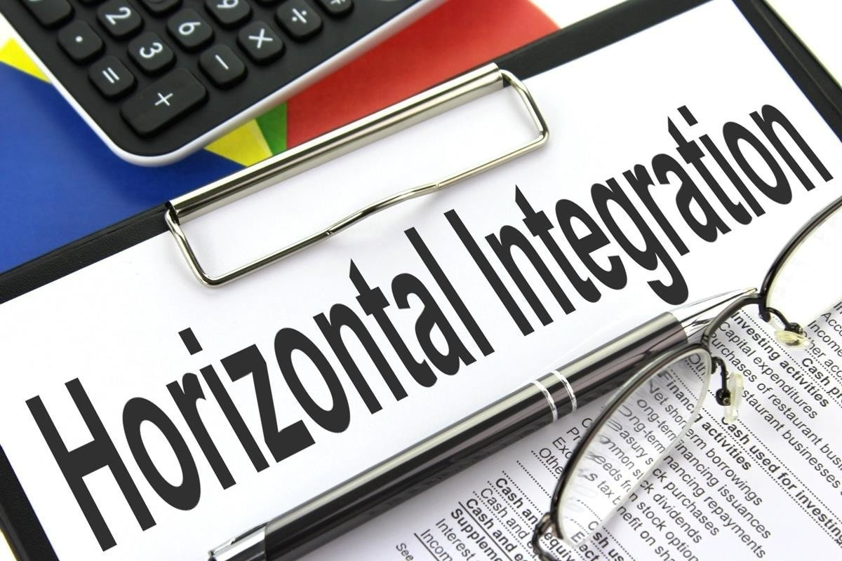 Horizontal integration explained with examples