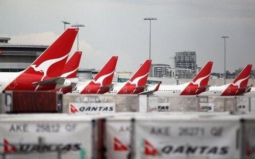 Marketing mix of Qantas Airways - 1