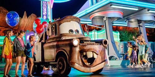SWOT analysis of Disneyland Park - 1