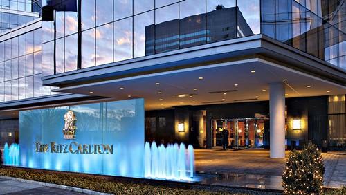 SWOT analysis of Ritz Carlton - 1