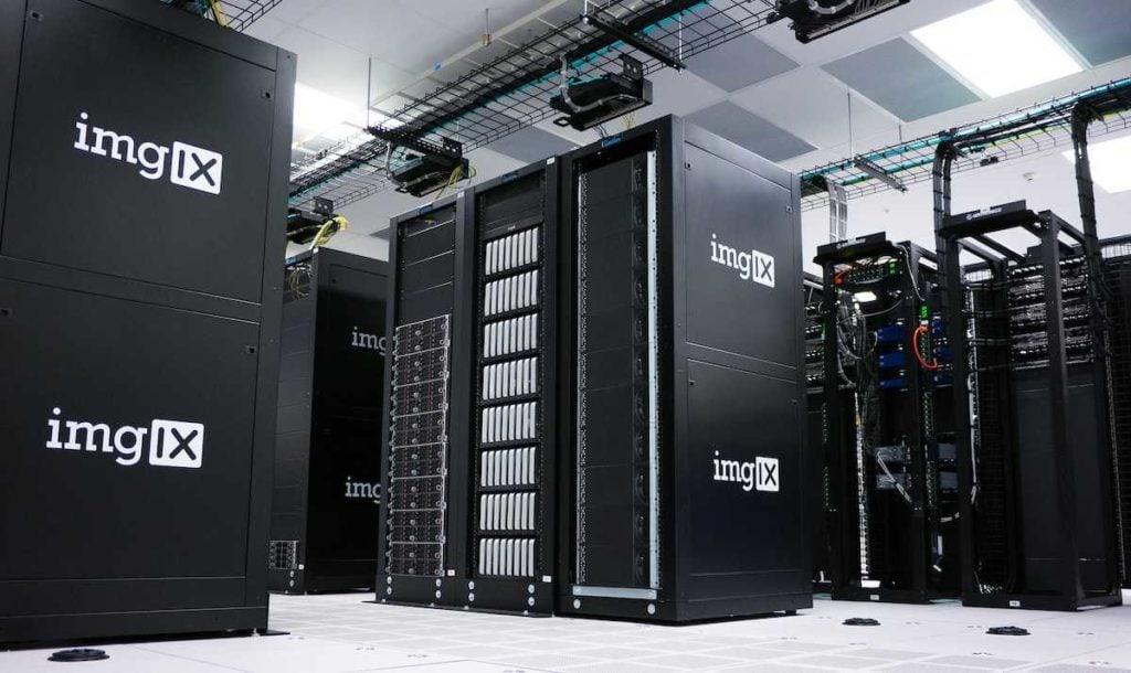 Server resources comparison between Dedicated Hosting vs Shared hosting