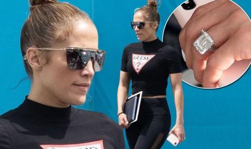 #10. Jennifer Lopez's Ring