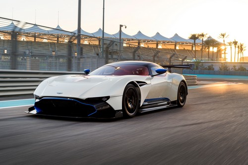 #15 Aston Martin Vulcan
