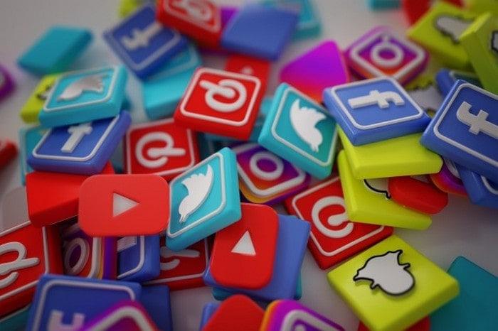 #4 social media