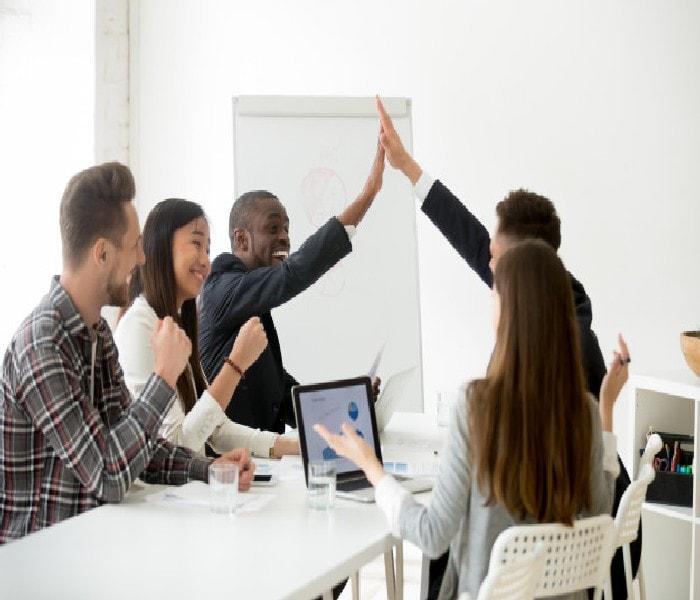 Advantages of Laissez-faire Leadership Style