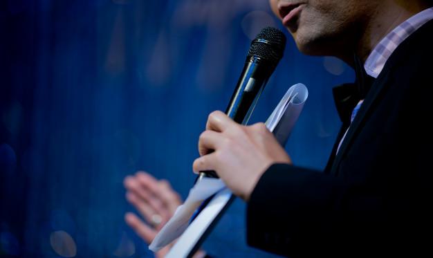 10 Hacks for Mastering Public Speaking Skills