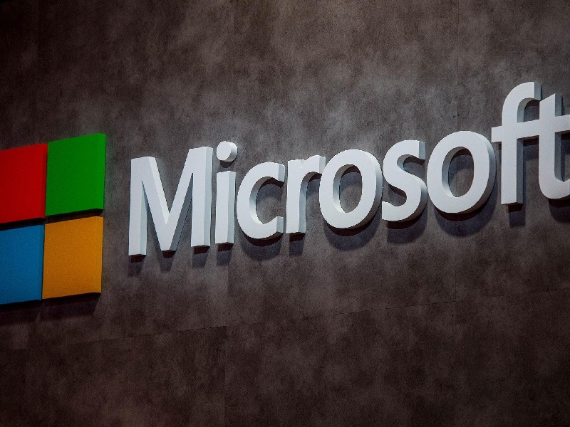 Decoding the Business Model of Microsoft