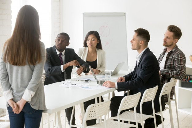 Important tips of business meeting etiquette
