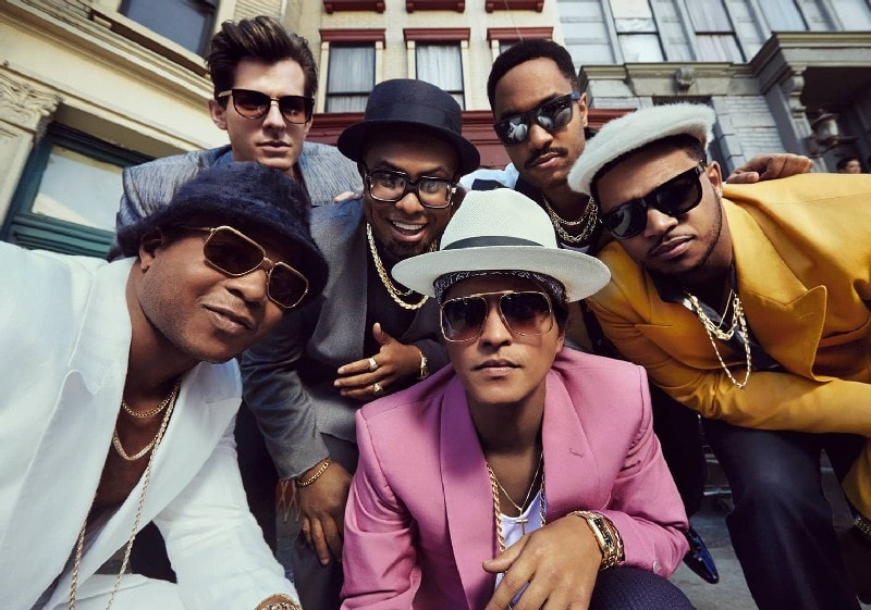 Uptown Funk – Mark Ronson featuring Bruno Mars